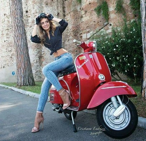 scooter-girl-vespas-39
